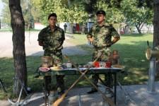 Druženje pripadnika Vojske Srbije sa osobama sa invaliditetom