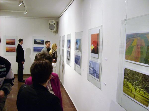 Humanitarna izložba u Galeriji 73