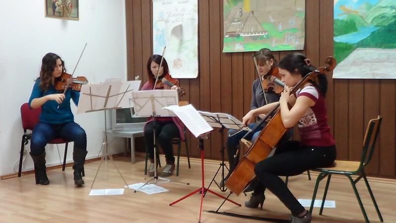 Mina, druga violina, na Čukarici