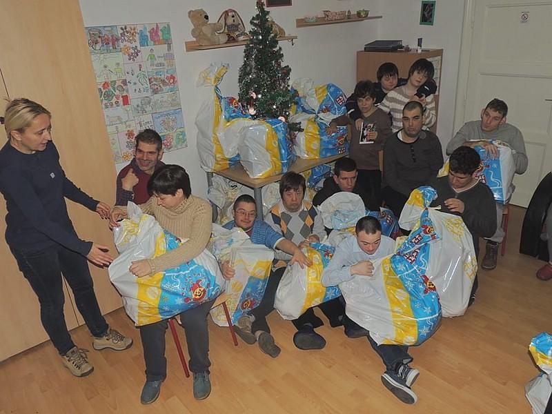 Dodela novogodišnjih paketa u DB Stari grad