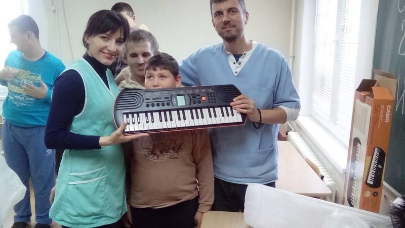 U Novu godinu sa kolačima i pesmom-Sindikat smenskih radnika TEK-a u DB Šiljakovac