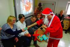 Novogodišnja priredba i podela paketića u Dnevnom boravku Obrenovac