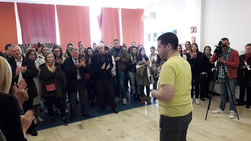 "Izložba ""Umetnost za sve"" u SKC Obrenovac"