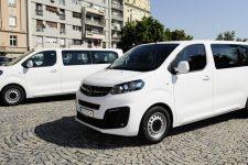 Zamenik gradonačelnika Vesić uručio ključeve novih vozila Centru