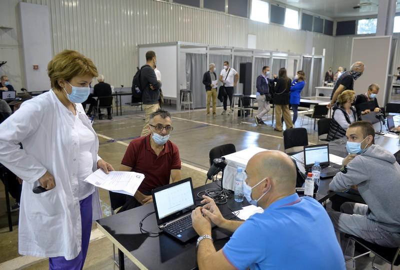 Vakcinacija trećom dozom za zaposlene u sistemu socijalne zaštite